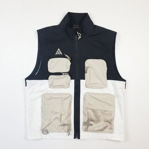 NWT Nike ACG Utility Techwear Multi Pockets Vest.